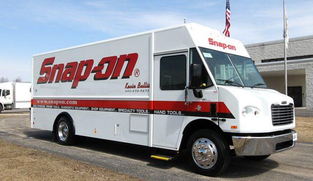 01 20ft-custom-tool-truck_fx8134