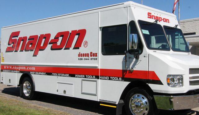 01 20ft-custom-tool-truck_hv5382