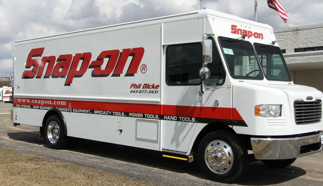 01 20ft-custom-tool-truck_fx8130