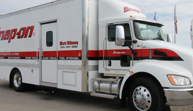 01 22ft-custom-tool-truck_126037