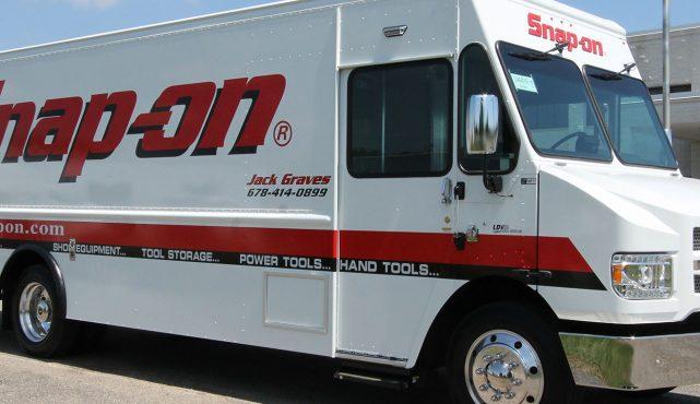 01 20ft-custom-tool-truck_hz8906