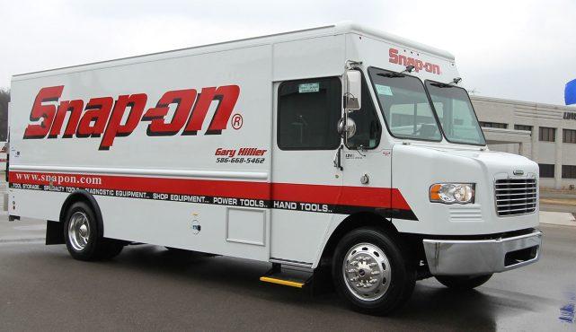 01 20ft-custom-tool-truck_fx8129