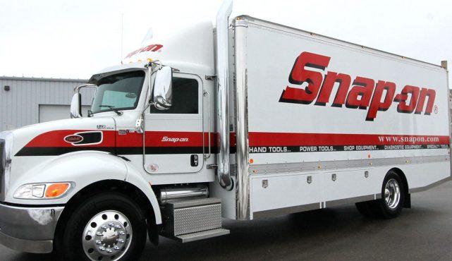 01 22ft-custom-tool-truck_355517