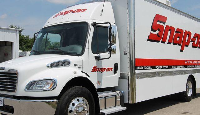 01 22ft-custom-tool-truck_he0908