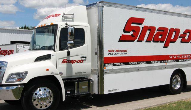 01 22ft-custom-tool-truck_s50785